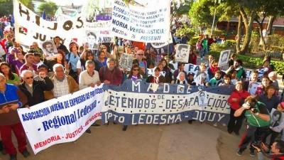 """Multitudinaria marcha a 39 años de la operación represiva del """"Apagón"""" que enlutó a Jujuy"""