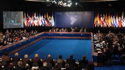 El oficialismo obtendría 27 de las 43 bancas para el Parlasur, según los resultados de las PASO