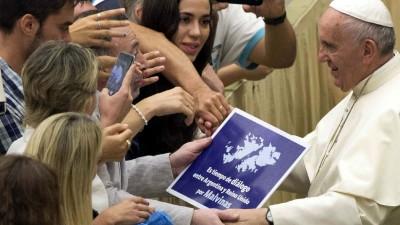 El Papa se sumó al pedido de diálogo entre Argentina y Gran Bretaña por Malvinas