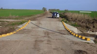 Continúan con el enripiado encaminos rurales de localidades entrerrianas