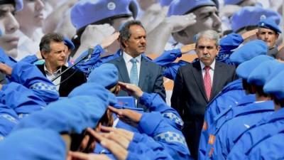 Scioli encabezó el acto de egreso de los primeros agentes de la Policía Local en Mar del Plata