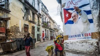 La isla de los tres papas espera a Francisco