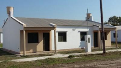 En Pirané, hoy entregan 128 viviendas