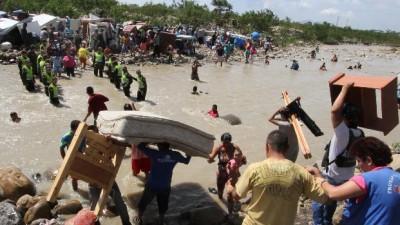 Maduro amplía el cierre de frontera con Colombia y envía más tropas