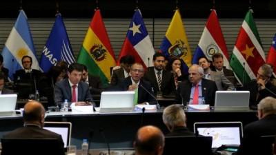 Encuentro de Unasur para planificar integración energética