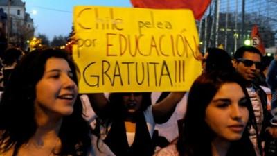 Estudiantes chilenos reclamaron una reforma estructural