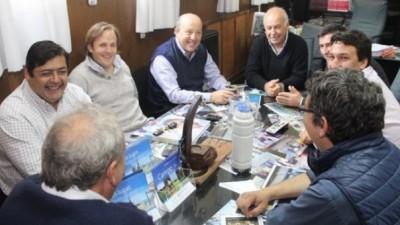 Comenzó el traspaso de mando en los municipios deBuenos Aires