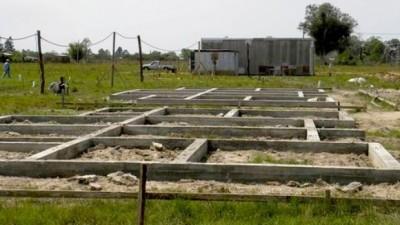 Corrientes: El Invico construye 50 viviendas en La Cruz