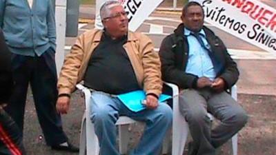 Uruguay: un intendente se encadenó para que le arreglen una ruta