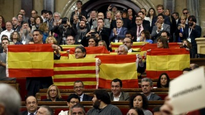 Cataluña inicia la salida de España con una ley que desacata su jurisdicción