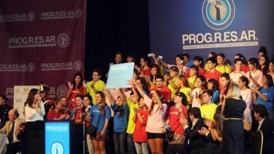 Progresar: Ya alcanza a casi un millón de jóvenes de entre 18 y 24 años