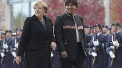 Merkel pidió al Papa, para mediar entre Bolivia-Chile