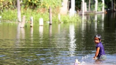 Los evacuados superan los 32.000 y si bien bajan los ríos en tres provincias los pronósticos son inciertos