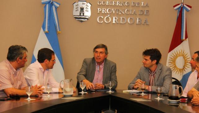 Reunión. El ministro de Gobierno, Carlos Massei, recibió el martes pasado a los intendentes K del Frente para la Victoria