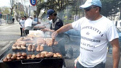 Mar del Plata: Presentan proyecto para autorizar trailers para la venta de choripanes