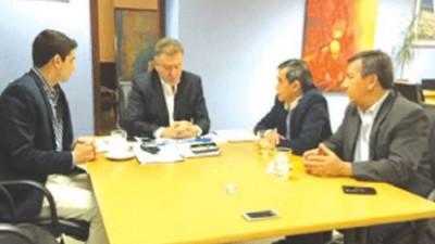 Gestionan plan de vivienda para empleados municipales de La Rioja
