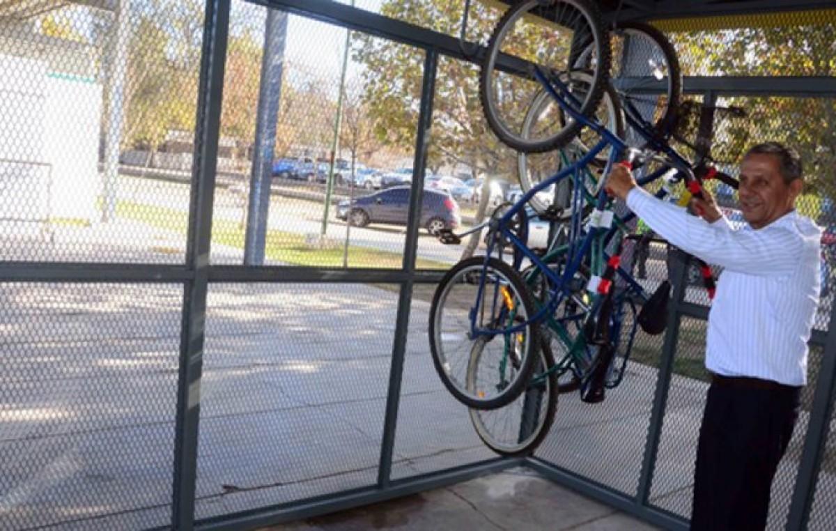 Neuquén: Desde este fin de semana, se podrán usar bicis gratis en el Paseo de la Costa