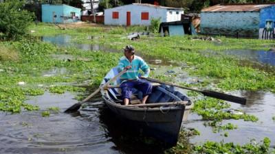 Más de 7.000 evacuados en distintas provincias por las crecidas de ríos