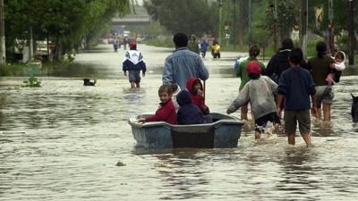 El río Paraná volvió a subir en Barranqueras y en el Chaco continúan 6000 personas evacuadas