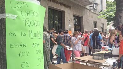 Ruidosa protesta y «ñoquiada» de los trabajadores municipales de Mar del Plata
