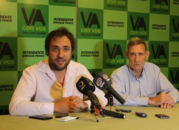 Mano de obra. Segalá y Urretavizcaya aseguraron que en las fábricas municipales trabajarán beneficiarios de planes nacionales.