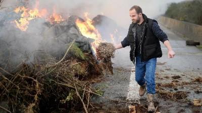 Huelgas y protestas de privados y estatales paralizaron a Francia
