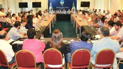 El Gobernador de Chacopresentó a intendentes el plan de Sistema de Ciudades