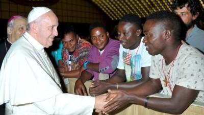 El Papa pidió a toda Europa que reciba a refugiados