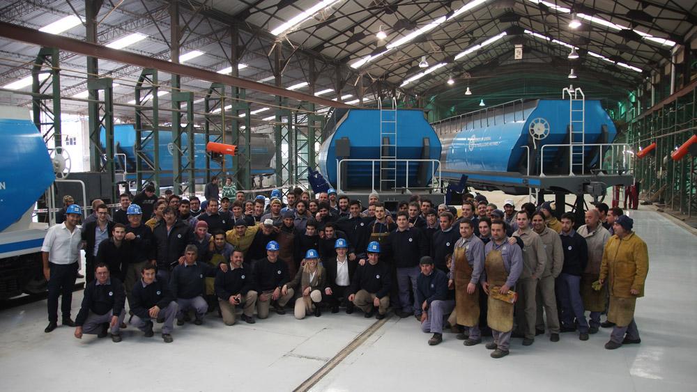 La línea tiene capacidad para producir tres vagones diarios y significó de una inversión de $270 millones.