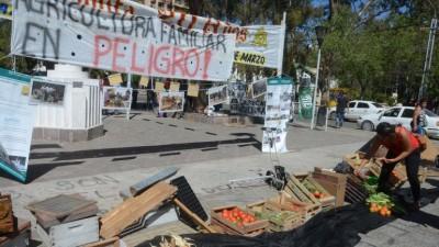Denuncian el cierre de Agricultura Familiar en Neuquén y Esquel