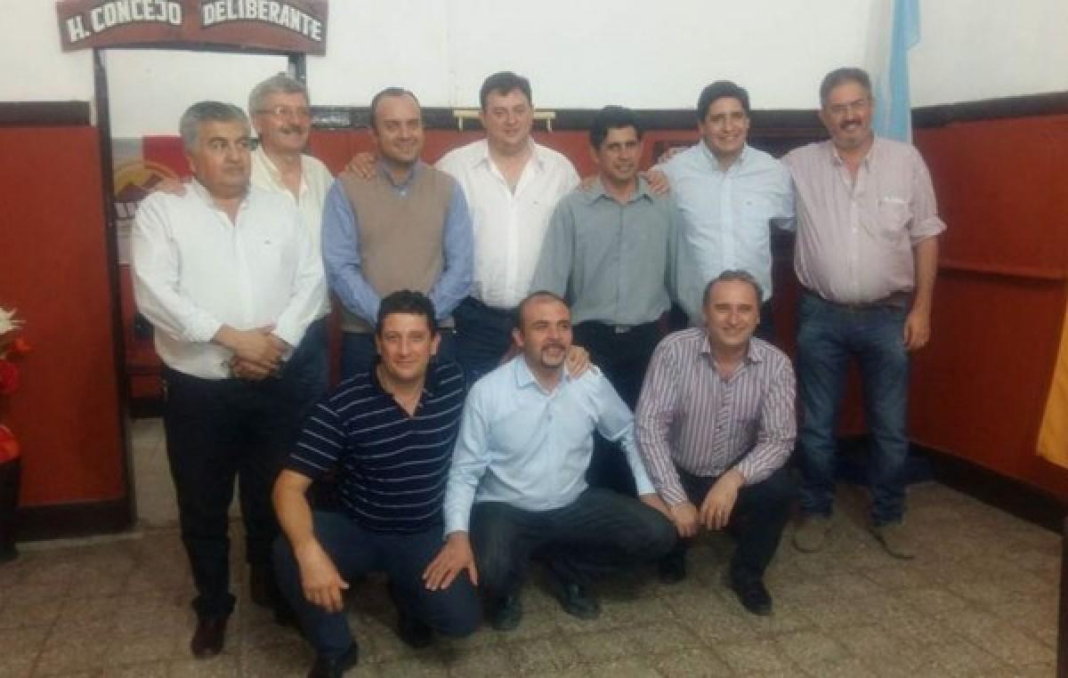 Reunión de intendentes santiagueños que analizan cuestiones de gestión