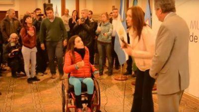 Escrache a Vidal: joven en silla de ruedas reclamó por comedores provinciales