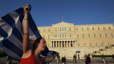 Periodistas griegos hacen huelga contra reforma de pensiones