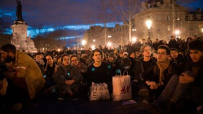 Protestas nocturnas de jóvenes en París dejan al gobierno sin dormir