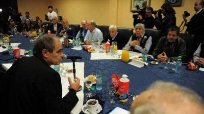 Sindicalistas y obispos, preocupados por «ajustes y despidos»