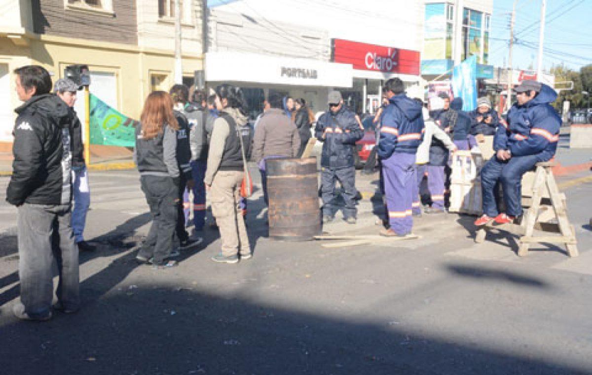 Municipales de Río Gallegos inician un paro total de actividades de 72 horas