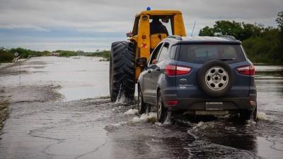 Entre Ríos. Se encuentran cortados caminos y rutas provinciales en al menos siete departamentos