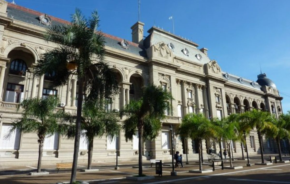 Las Rosas: provincia evalúa intervenir la Municipalidad
