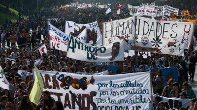Cien mil estudiantes chilenos con voz