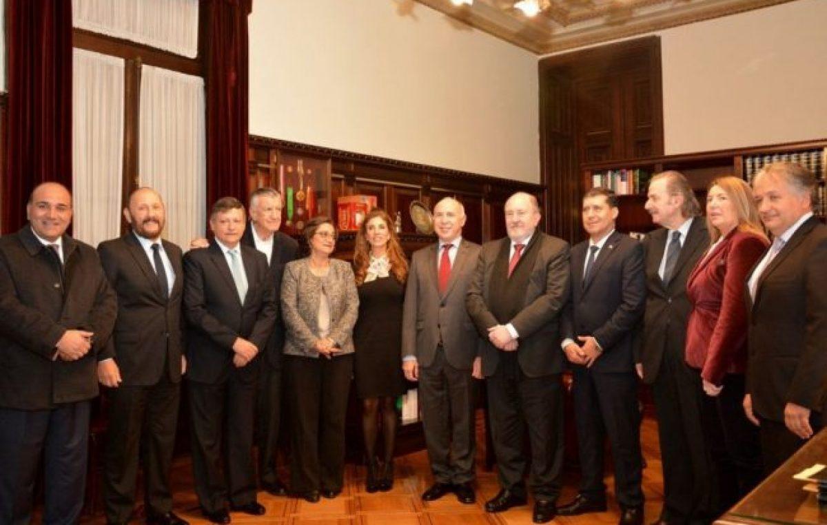 Gobernadores del PJ, a la Corte por el reclamo del 15%