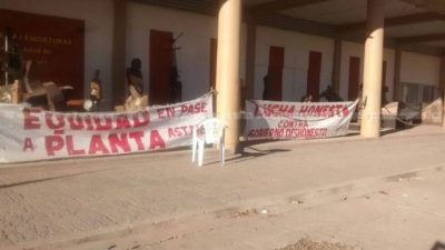 En Barranqueras tomaron nuevamente la Municipalidad