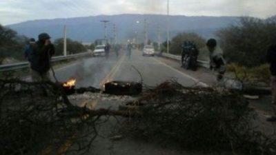 No cesa la tensión en Valle Viejo por el reclamo de los gremios