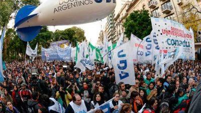 Multitudinaria marcha en Buenos Aires en defensa de la educación pública