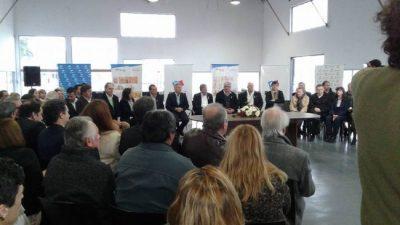 Cuatro intendentes firmaron el acta compromiso del Área Metropolitana Paraná