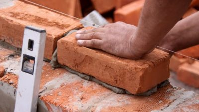 La venta de materiales para la construcción cayó casi 12% en el primer semestre y más de 21% en el año