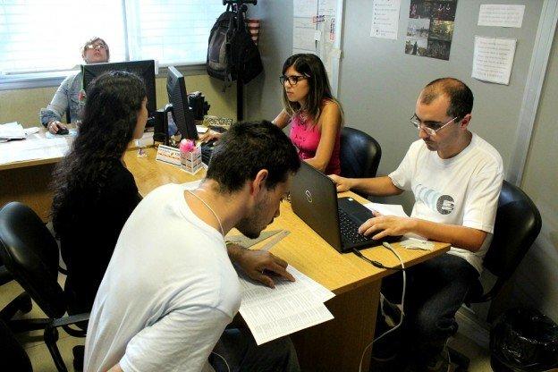 Mucha demanda de empleo en los centros municipales de for Consulta demanda de empleo