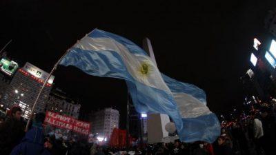 """""""No al tarifazo"""": Otro ruidazo por las calles"""