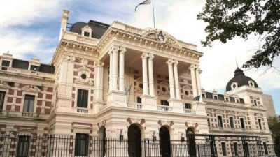 Buenos Aires lidera la lista de provincias que solicitaron endeudamiento externo