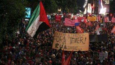 Expulsión de manifestantes brasileños desata fuertes críticas en redes sociales