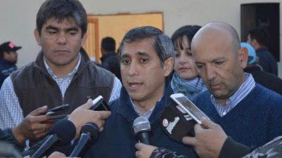 La Rioja: Paredes va por la quincena para todos los empleados municipales